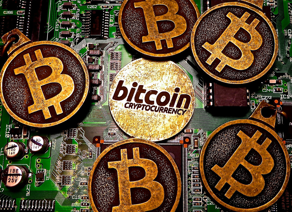 Only 1000 People Hold 40 Percent of Bitcoin |