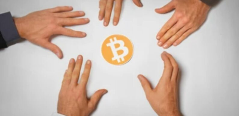 Two Billionaires to Go At Each Other About Bitcoin